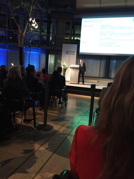 Die Menschen gehen, die Wölfe kommen! Dagmar Wagner als Gast auf dem Berliner Demografie Forum vom 18.-20. März 2015